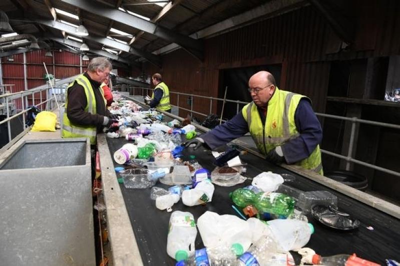 Empresa com Processo de Reciclagem de Plastico Itapura - Processo de Reciclagem Aluminio
